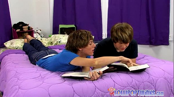 Superb Twink Duo Goes Bareback