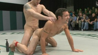 Gay sex wrestling – live audience!
